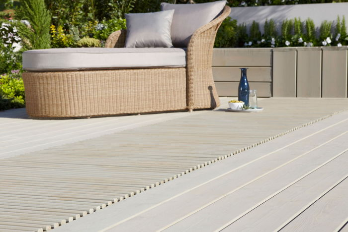 Deck Materials Buyer's Guide featured image