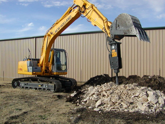 Finding The Right and Reliable Earthmoving Equipment services featured image